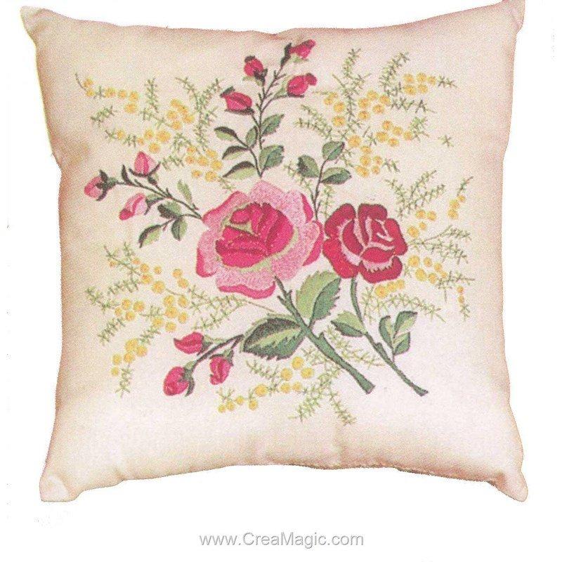 Kit Coussin Broder En Broderie Traditionnelle Roses Et