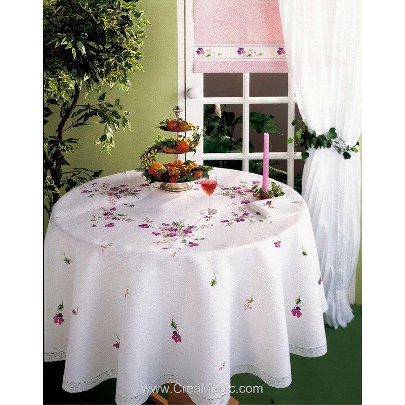 nappe dentelle imprim e en broderie traditionnelle violette avila. Black Bedroom Furniture Sets. Home Design Ideas