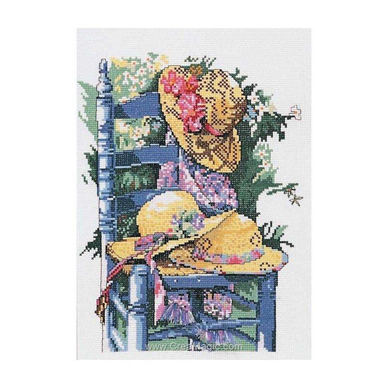 Marie Coeur broderie la chaise bleue et chapeaux