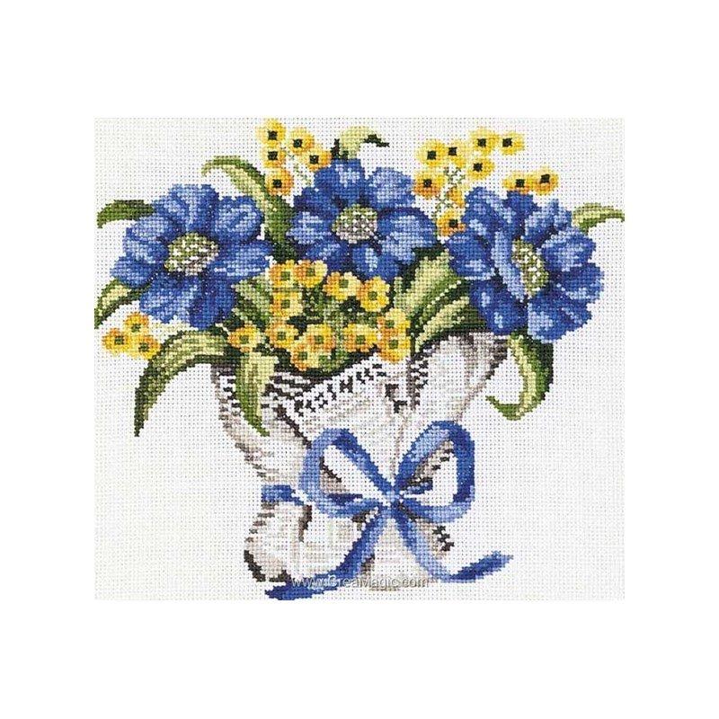 Kit Princesse à broder bouquet fleurs bleues à pas cher