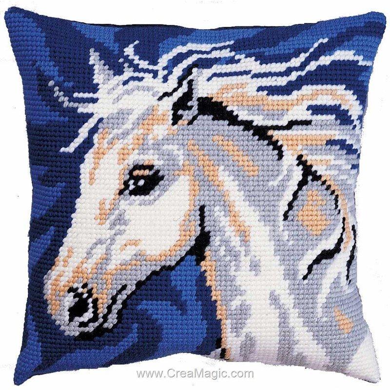 kit coussin au demi point cheval f rique chez royal paris. Black Bedroom Furniture Sets. Home Design Ideas