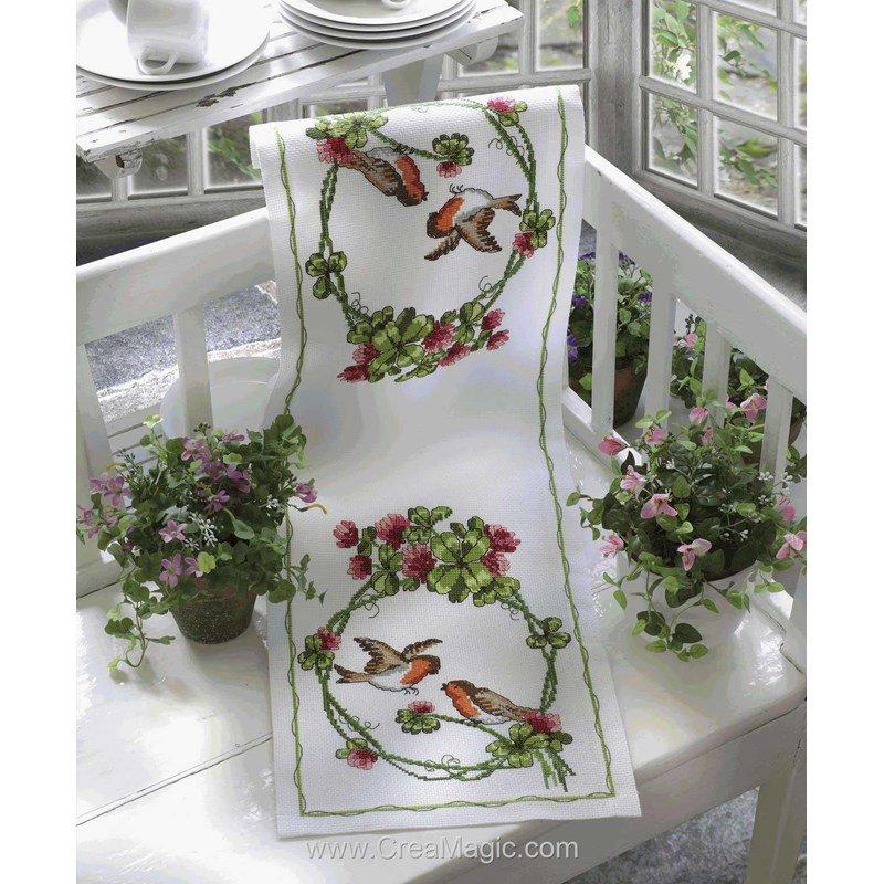 chemin de table en kit rouge gorge broder anchor. Black Bedroom Furniture Sets. Home Design Ideas