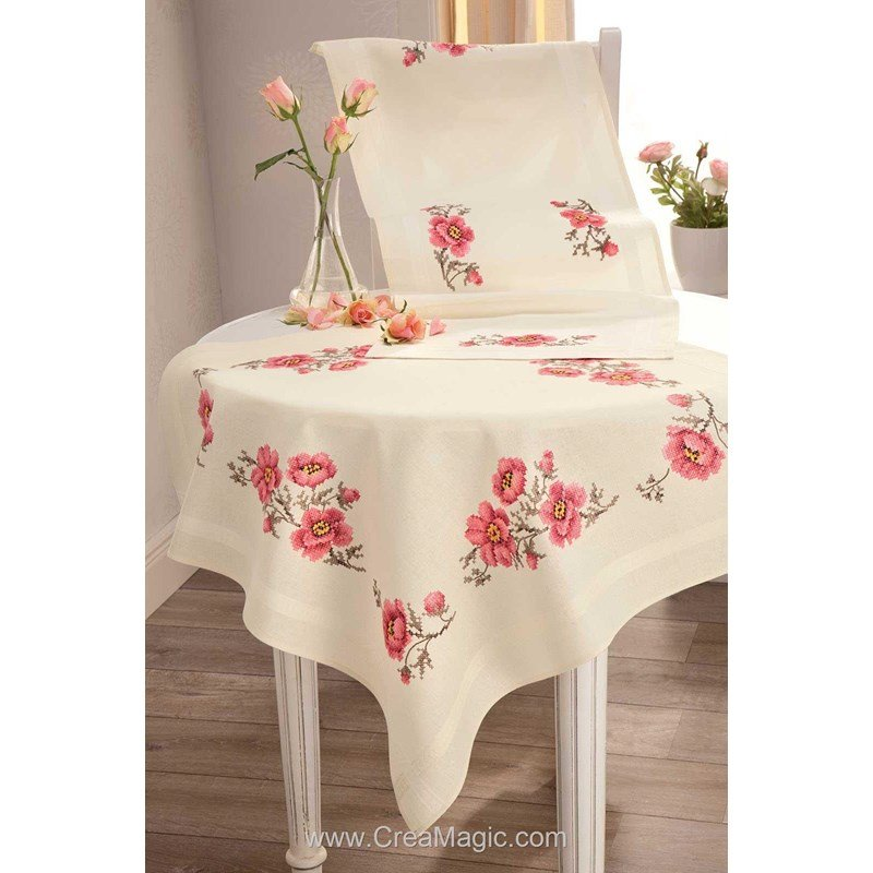 kit chemin de table imprim roses beige en broderie. Black Bedroom Furniture Sets. Home Design Ideas