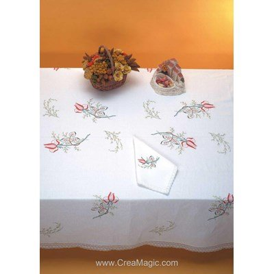Serviette imprimée Boutons de rose bordée de dentelle Dim 50x50 cm à broder en broderie traditionnelle - Luc Création