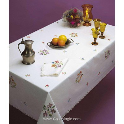Serviette imprimée Multicolore bordée de dentelle Dim 50x50 cm à broder en broderie traditionnelle - Luc Création