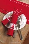 Serviette imprimées avec 4 anneaux Sapin de noël - Lot de 4 à broder en broderie traditionnelle - Vervaco