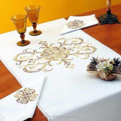 Vis à vis Merveille dorée Avec 2 serviettes assorties à broder en broderie traditionnelle - Luc Création