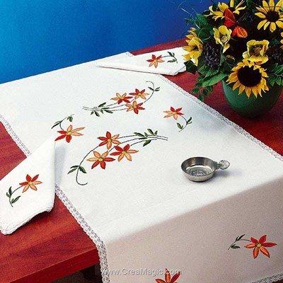 Vis à vis Petites fleurs Avec 2 serviettes assorties à broder en broderie traditionnelle - Luc Création